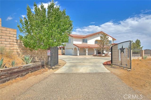 8340 Highland Ct, Oak Hills, CA 92344 Photo 2