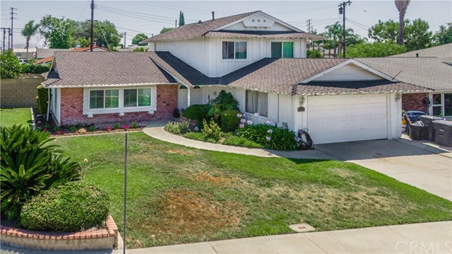 11802 Holston Avenue, La Mirada, CA 90638