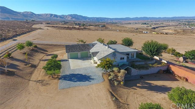 9426 Iroquois Avenue, Apple Valley, CA 92308