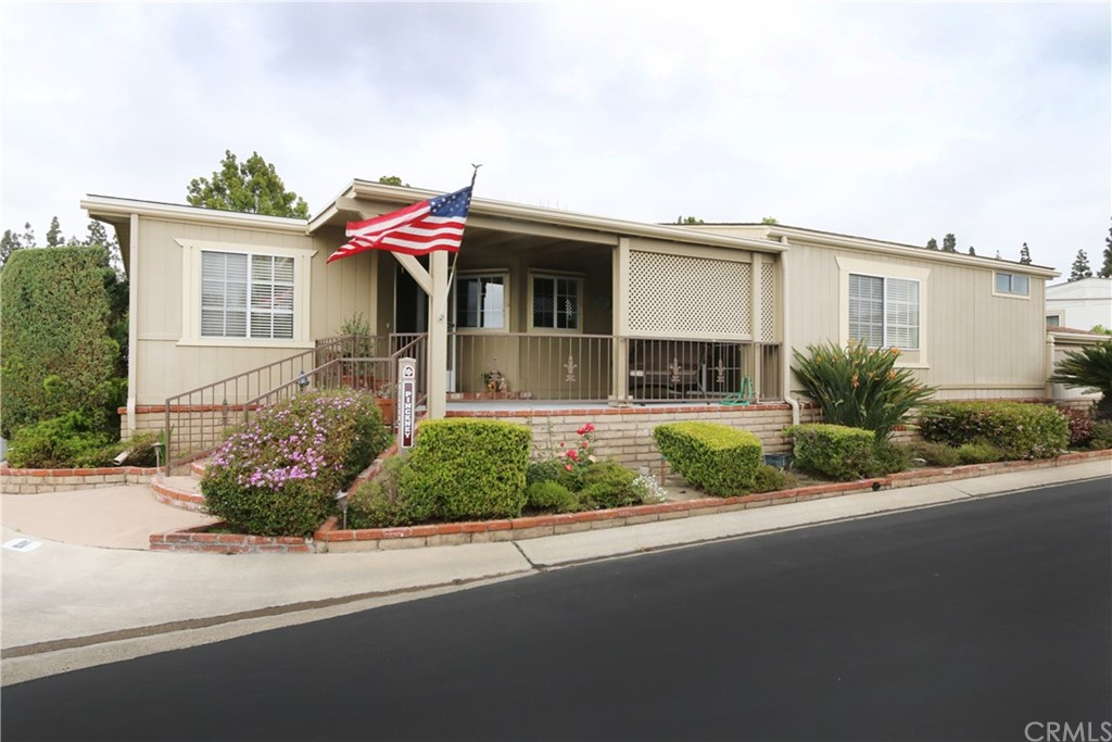 5200     Irvine Boulevard   211, Irvine CA 92620