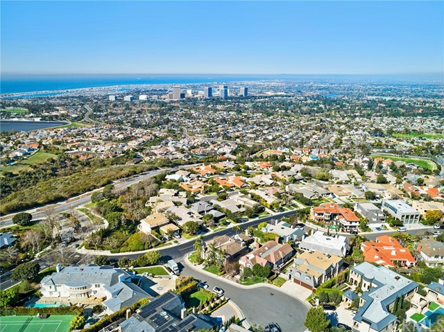 56. 2 Yorkshire Newport Beach, CA 92660