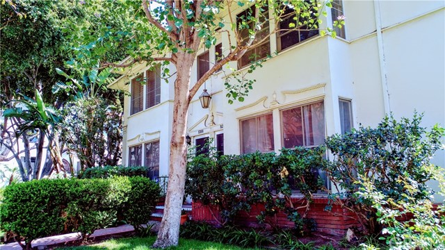 1323 N Harper Avenue, West Hollywood, CA 90046