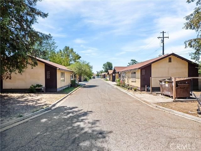 647 E Houston Avenue, Visalia, CA 93292