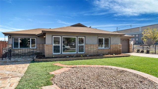 117 N Vicentia Avenue, Corona, CA 92882