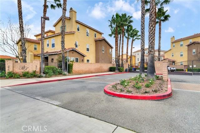 277 Bloomington Avenue 229, Rialto, CA 92376