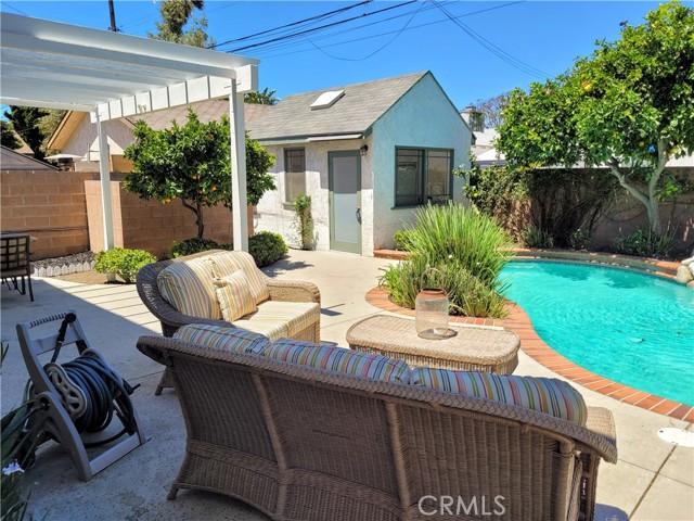 48. 12437 Caswell Avenue Mar Vista, CA 90066