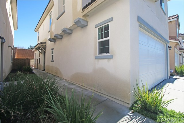 1958 PROVOST Place, San Bernardino, California 92407, 3 Bedrooms Bedrooms, ,2 BathroomsBathrooms,Townhouse,For Sale,PROVOST,EV21019652