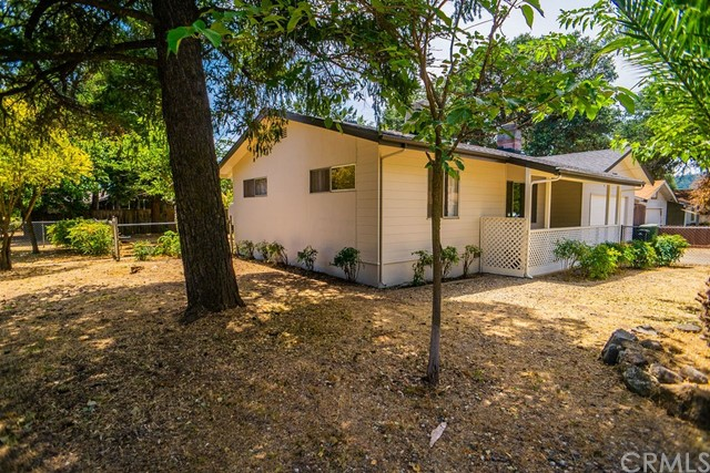 15075 Pineview Drive, Clearlake, CA 95422