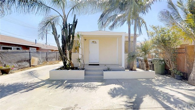 438 E 107th Street, Los Angeles, CA 90003