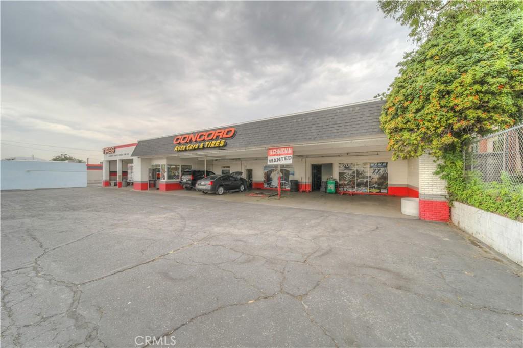Photo of 9340 Sierra Avenue, Fontana, CA 92335