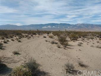 35151 Rabbit Springs Rd, Lucerne Valley, CA 92356 Photo 2