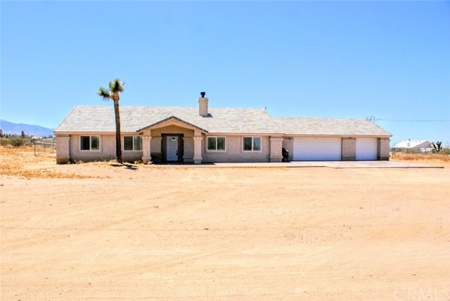 11828 Arizona Road, Phelan, CA 92371