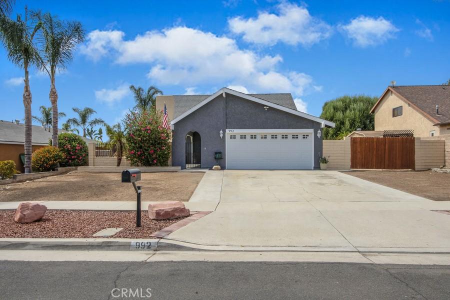 Photo of 992 Oakdale St., Corona, CA 92878