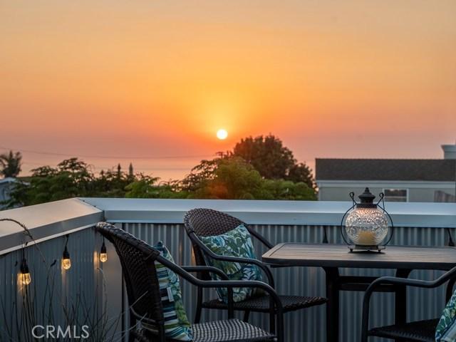 726 Longfellow Avenue, Hermosa Beach, California 90254, 3 Bedrooms Bedrooms, ,3 BathroomsBathrooms,For Sale,Longfellow,SB20208365