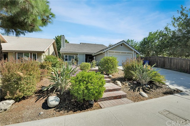 74 Hunter Point Road, Phillips Ranch, CA 91766