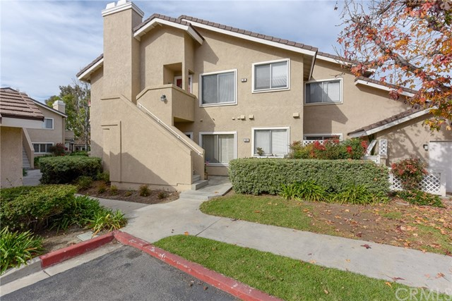 56 Greenmoor 28, Irvine, CA 92614