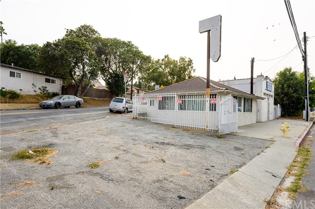 1607 262 St, Harbor City, CA 90710 Photo 2