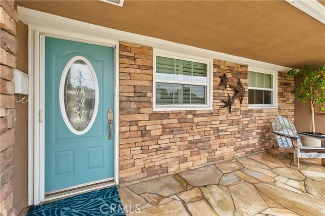 6. 2016 Calvert Avenue Costa Mesa, CA 92626