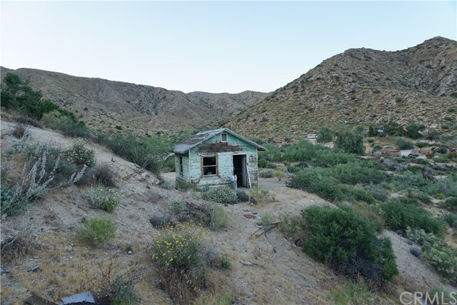 10100 Pinon Avenue, Morongo Valley, CA 92256