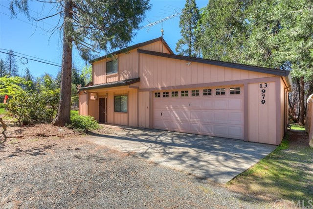 13979 Pineland Circle, Magalia, CA 95954