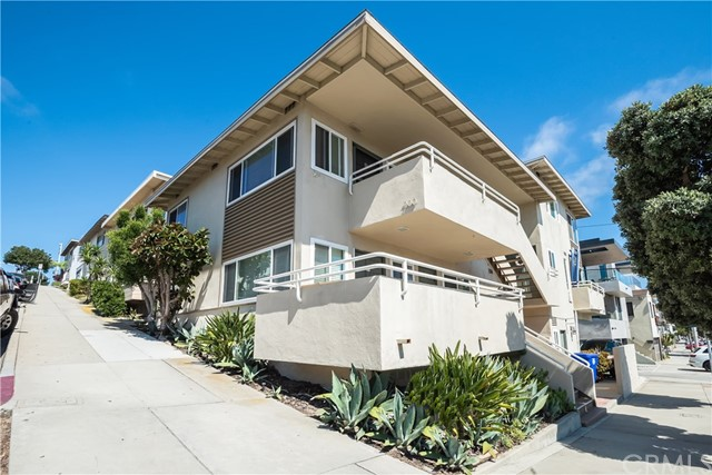 Prime Downtown Manhattan Beach location, this well maintained triplex is situated on the corner of 15th & Manhattan Avenue with fantastic ocean views. Only steps to the beach, restaurants, shops and the famous MB Pier! The large three bedroom unit could be perfect for an owner/user. Sunny west facing property with excellent sunset views. Hard to find this type of property, a unique opportunity! Check out the attached video next to map.