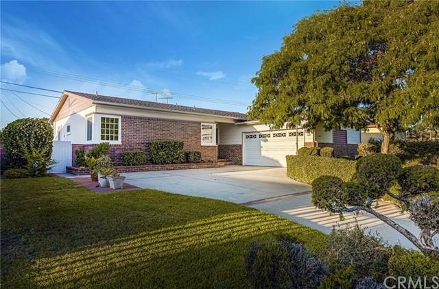 1467 W Houston Avenue, Fullerton, CA 92833