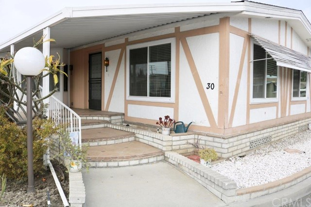 4211 First St 30, Santa Ana, CA 92703