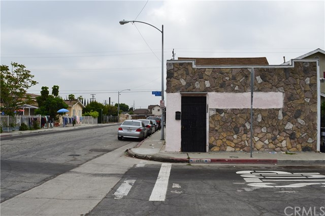 1736 E 85th St & 8507 Beach St, Los Angeles, CA 90001
