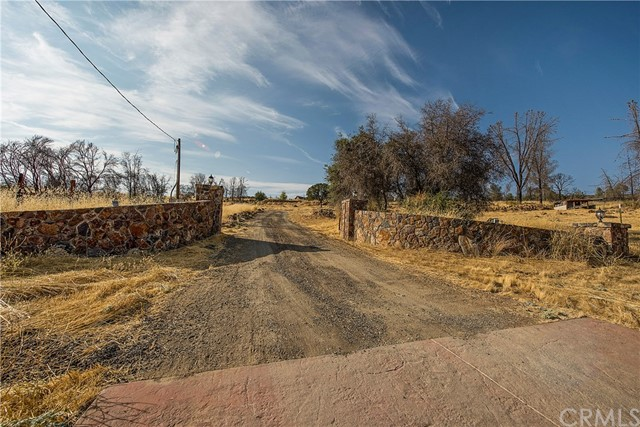 21676 Yankee Valley Road, Hidden Valley Lake, CA 95467