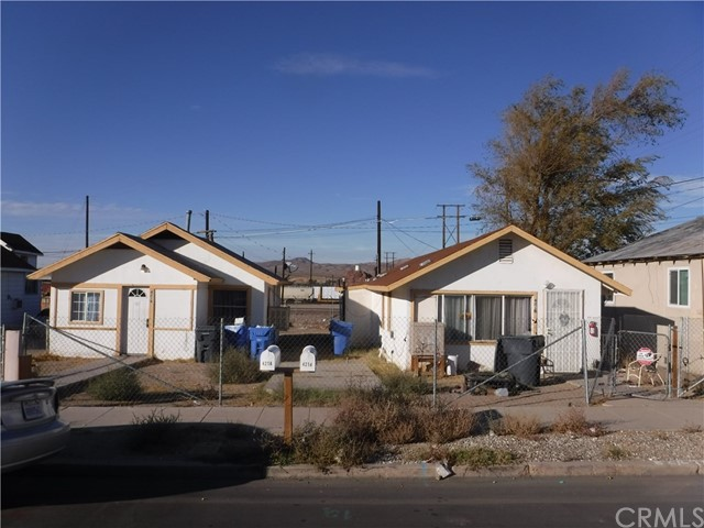 421 Hutchison St, Barstow, CA 92311