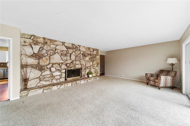 12. 306 N Valley Center Avenue Glendora, CA 91741