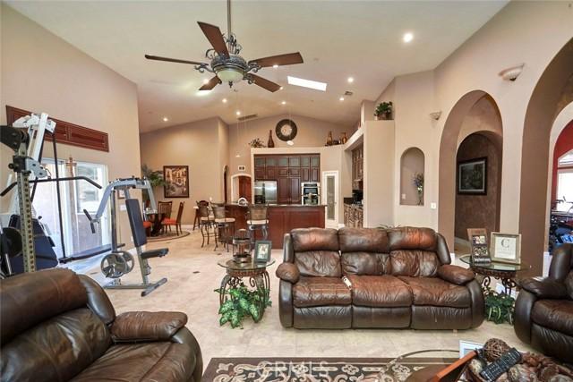 7760 Barker Rd, Oak Hills, CA 92344 Photo 5