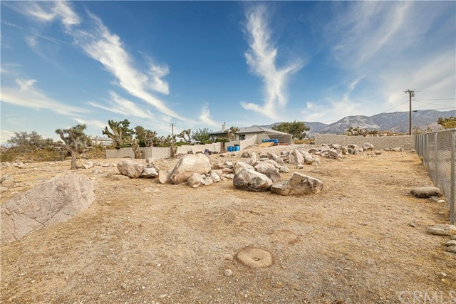 32564 Emerald Rd, Lucerne Valley, CA 92356 Photo 19