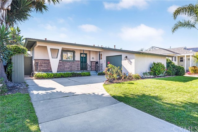 2851 Nipomo Avenue, Long Beach, CA 90815