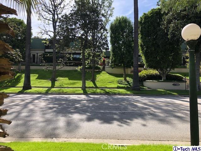 885 S Orange Grove Boulevard 39, Pasadena, CA 91105