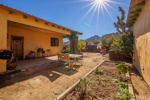 61868 Joshua Trail, Joshua Tree, CA 92252