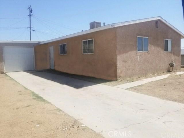 905 E Elizabeth St, Barstow, CA 92311