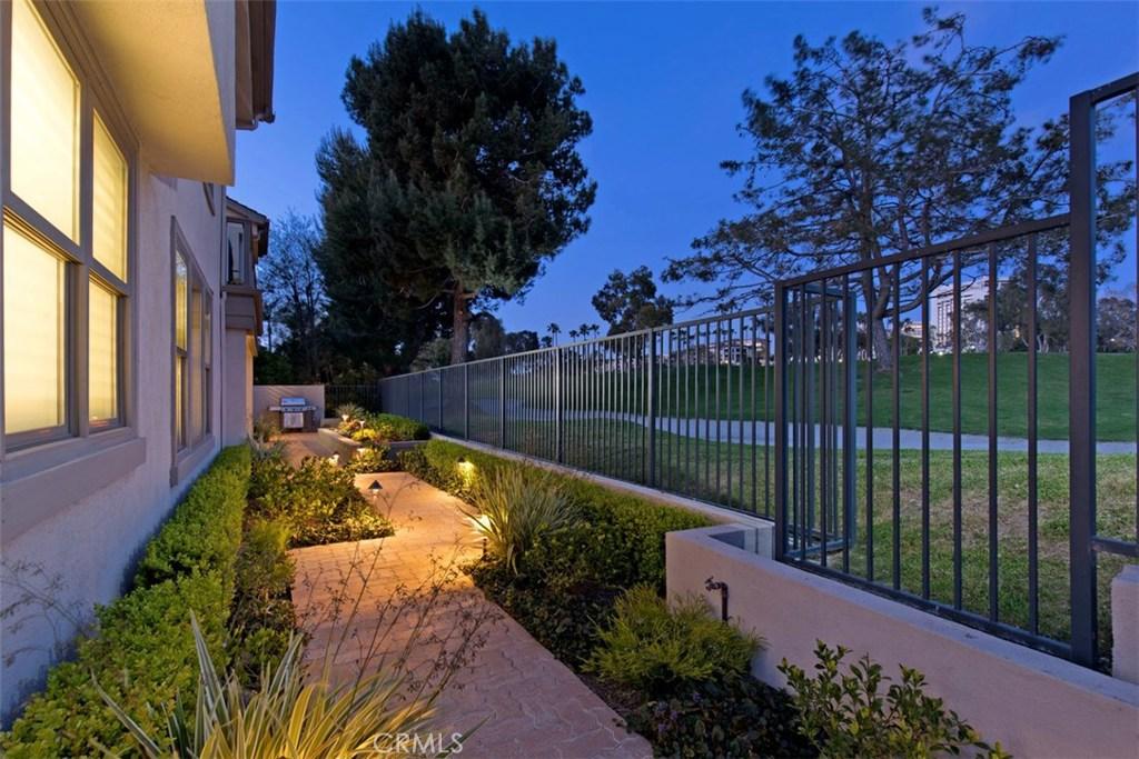 Homes for sale - 60 Ocean Vista, Newport Beach, CA 92660 – MLS#NP20...