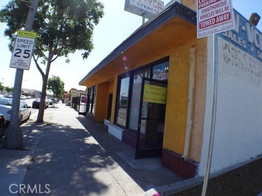 3288 Tweedy Boulevard, South Gate, CA 90280