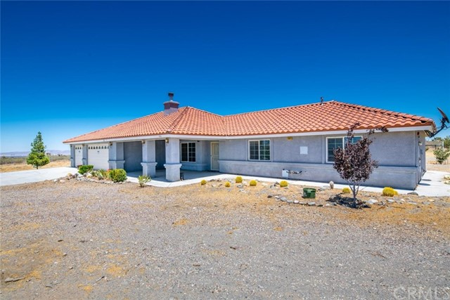 11823 Azure View Road, Pinon Hills, CA 92372