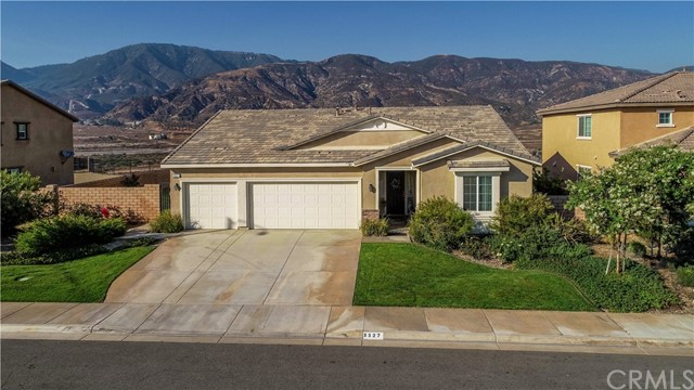 5527 N Pinnacle Lane, San Bernardino, CA 92407