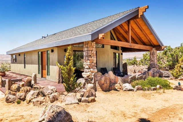 53075 Boulder View Drive, Pioneertown, CA 92268