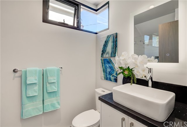 1511 Golden Avenue, Hermosa Beach, California 90254, 5 Bedrooms Bedrooms, ,2 BathroomsBathrooms,For Sale,Golden,SB19224666
