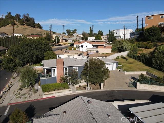 21. 2533 Lombardy Boulevard Los Angeles, CA 90032