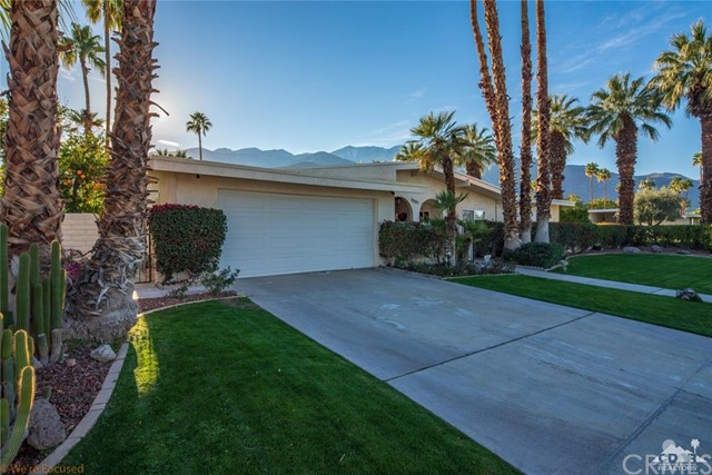 1901 Cadiz Circle, Palm Springs, CA 92264