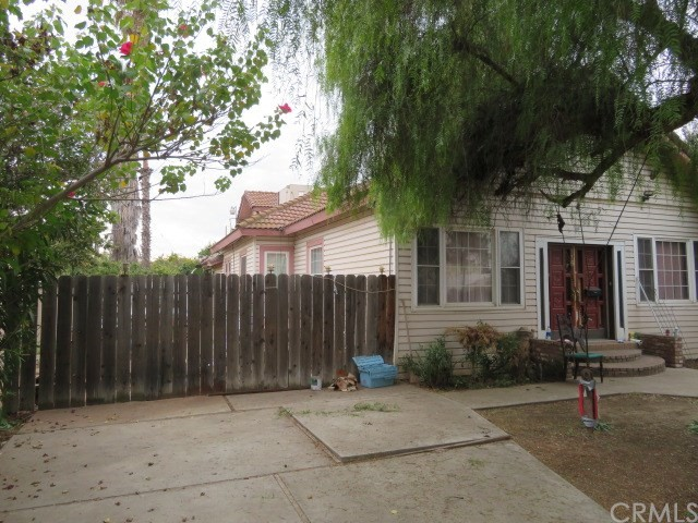 116 B Street, Madera, California 93638, 3 Bedrooms Bedrooms, ,1 BathroomBathrooms,Single Family Residence,For Sale,B,MD20251445
