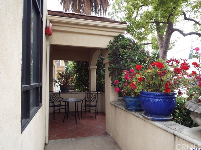 126 S Catalina Av, Pasadena, CA 91106 Photo 2