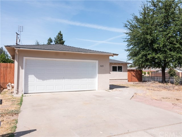 3693 E Santa Ana Avenue, Fresno, CA 93726
