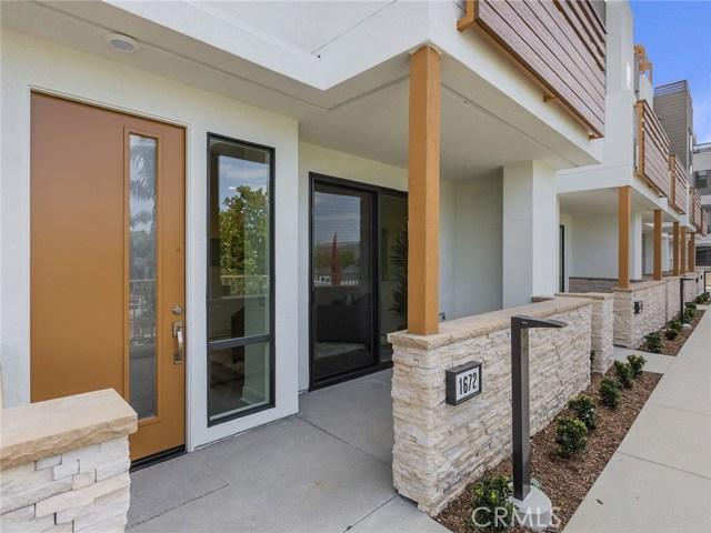 1672  Pomona Avenue, Costa Mesa, California