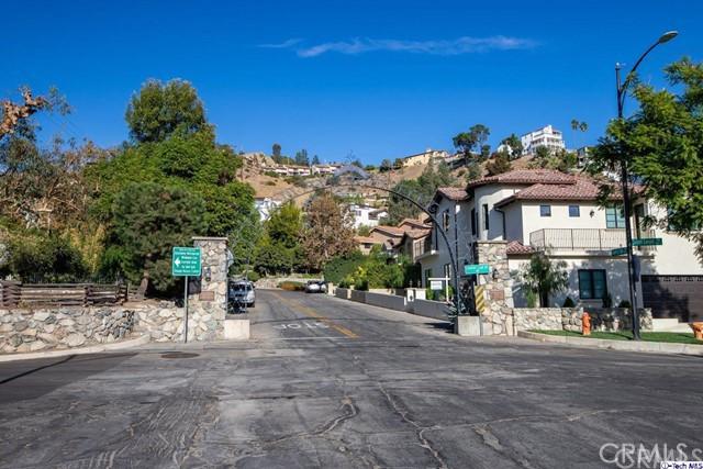 736 Country Club Drive, Burbank, CA 91501